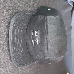 A OAKLEY hat all original